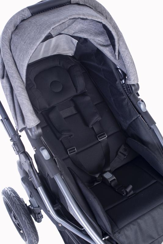 große ergonomische und atmungsaktive Liege-/Sitzfläche