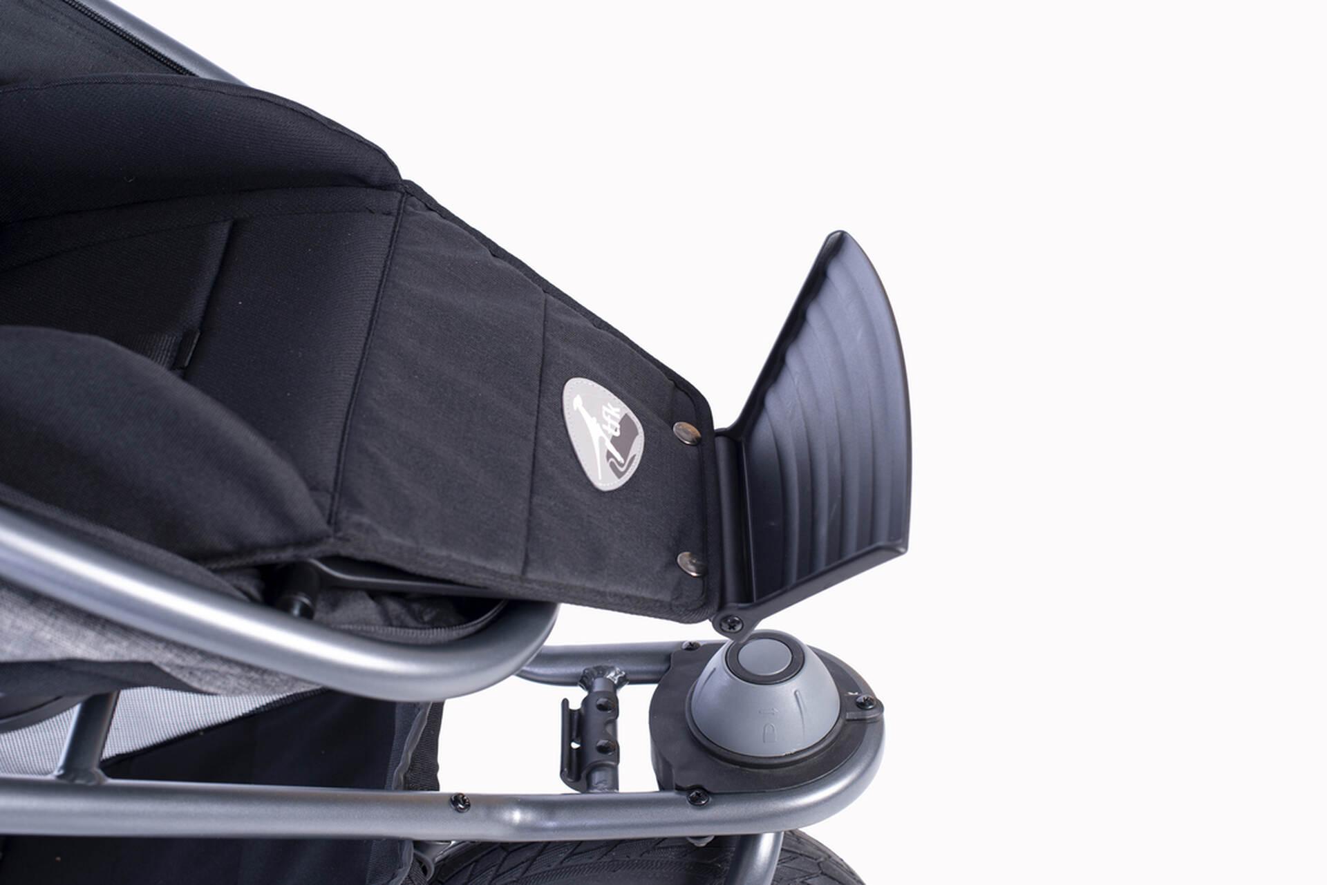 patentierte Kombi-Einheit (Wanne&Sitz) mit herausklappbarem Fußbrett